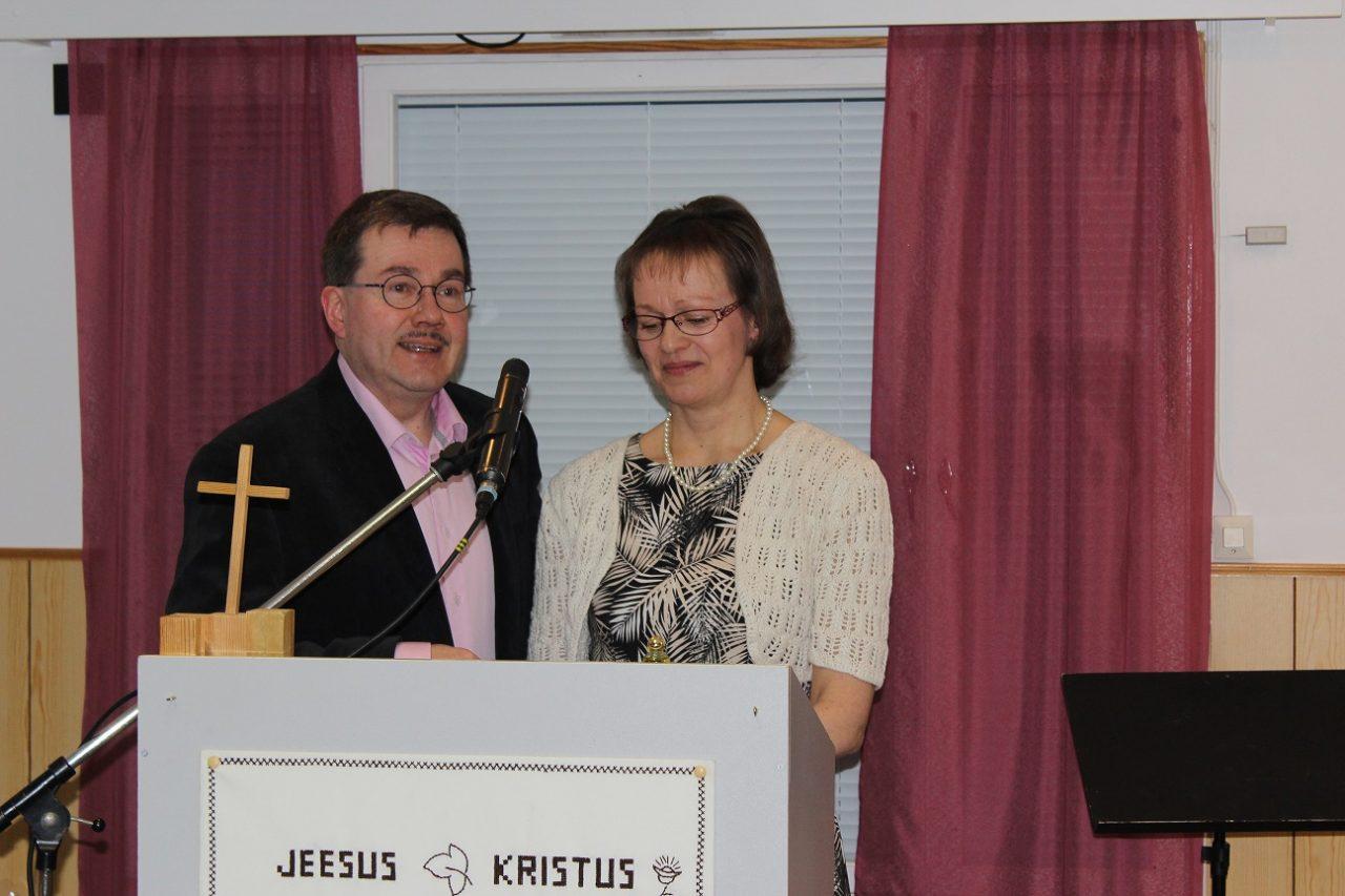 Pastori Jukka-Pekka ja rouva Erja Halonen tulojuhlassa 13.3.2016
